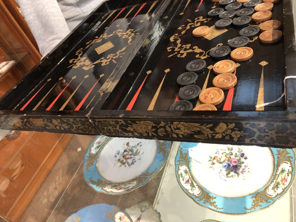 A 19th century Chinese lacquered and gilt games box with chess board to lid and backgammon board - Image 7 of 12