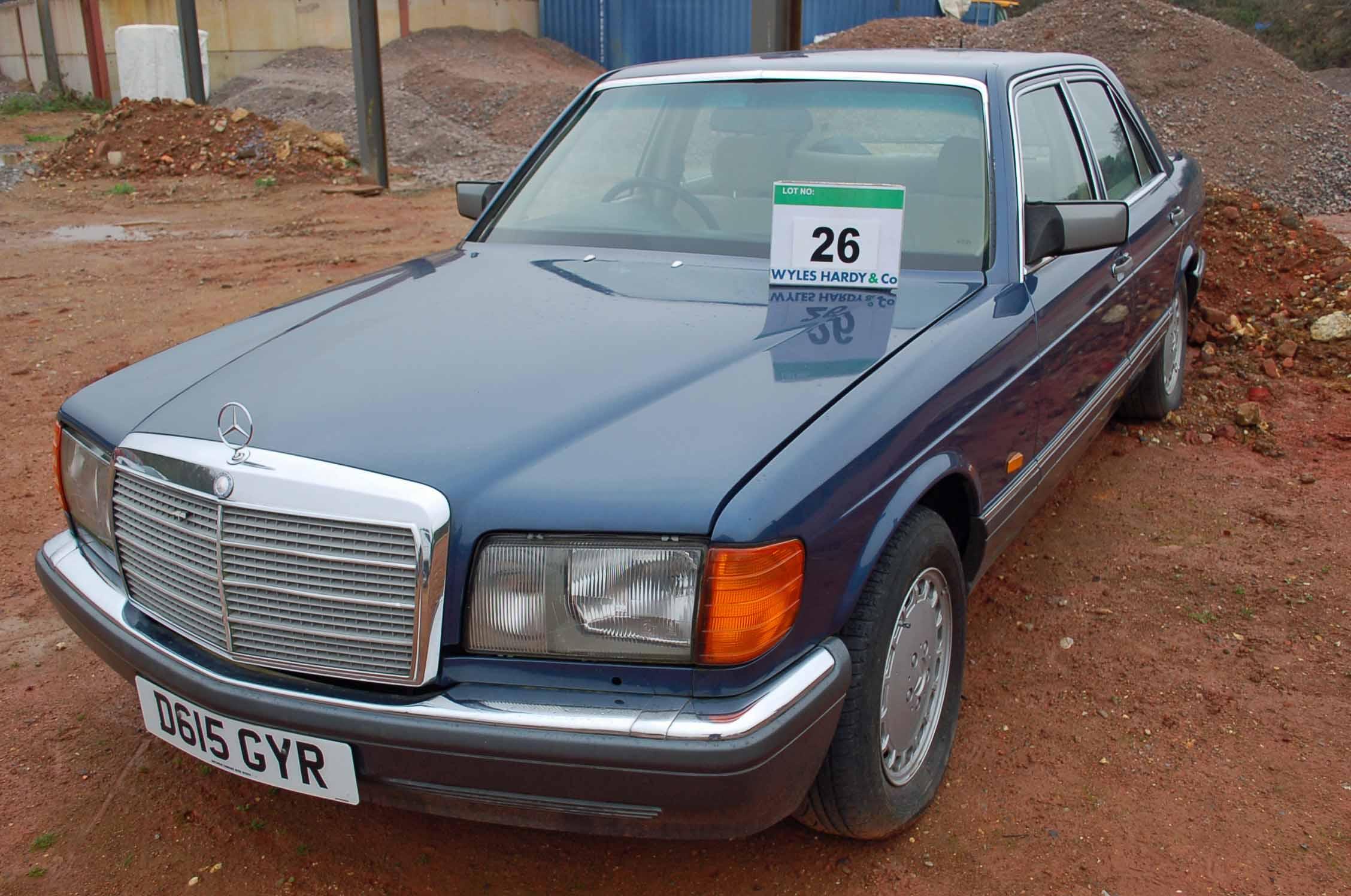 Lot 26 - A MERCEDES 300 SE 4-Door Auto, Registration No. D615 GYR, First Registered: 13/03/1987, Recorded