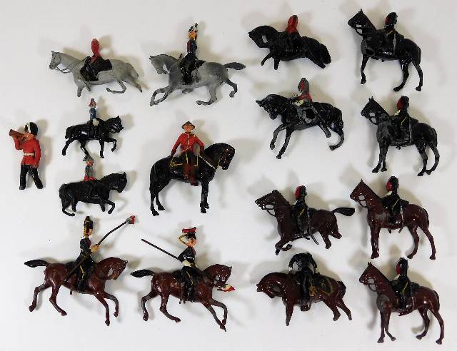 Lot 358 - A quantity of lead cavalry soldiers including Brit
