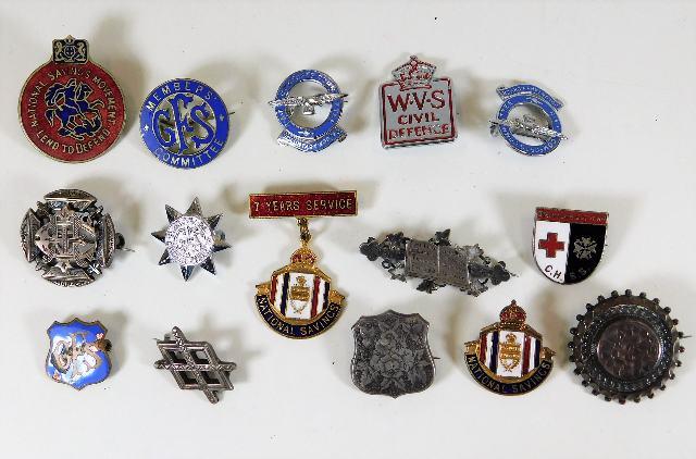 Lot 775 - A WVS Civil Defence badge & other badges