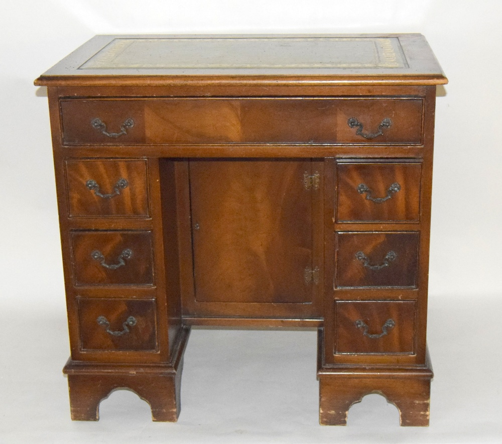 leather topped writing desk Antique desks sort by:  this is an arts crafts antique inspired oak writing desk having two drawers below a tooled green leather top raised on decorative shaped.