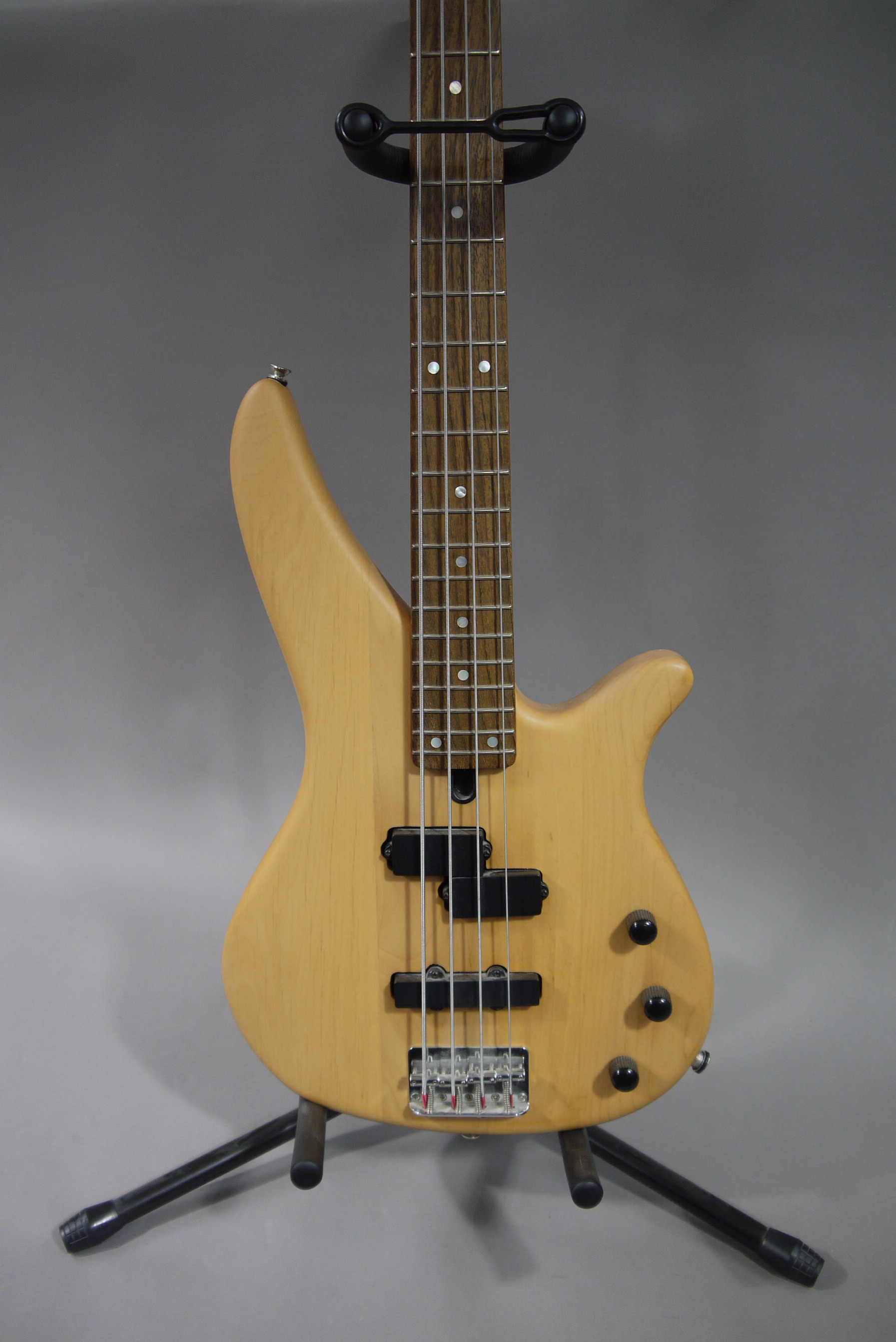 yamaha electric bass guitar serial number rbx 270j on stagg stand. Black Bedroom Furniture Sets. Home Design Ideas