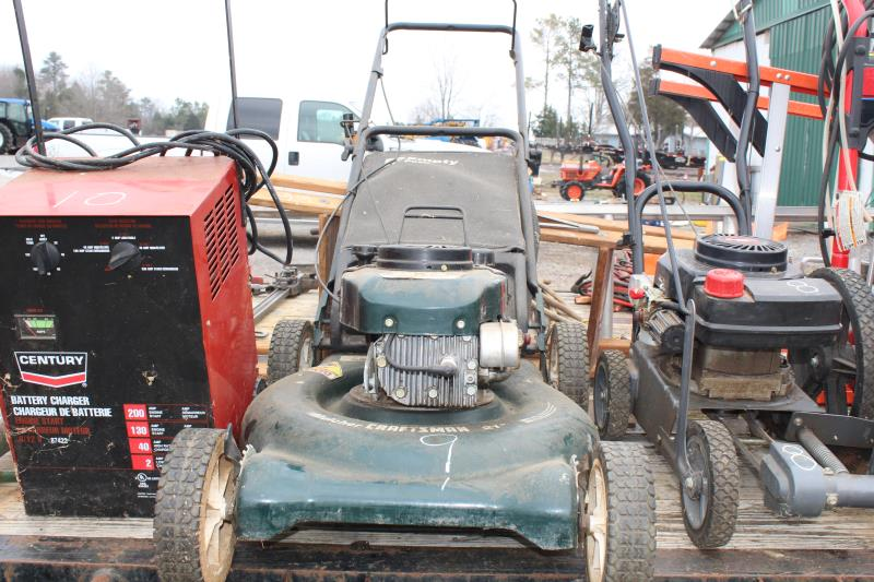"Lot 9 - 5.5HP 21"" CRAFTSMAN LAWN MOWER"