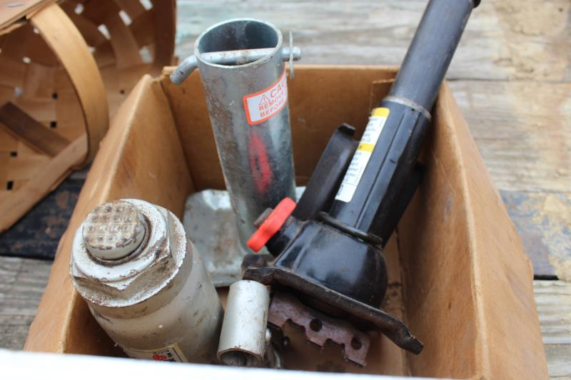 Lot 52 - MISC TOOLS