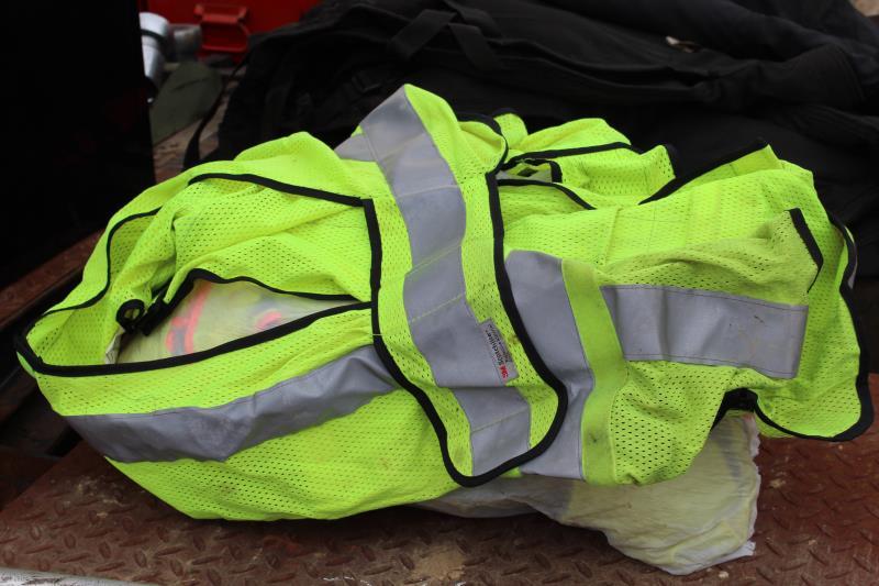 Lot 34 - BAG OF SAFETY VESTS