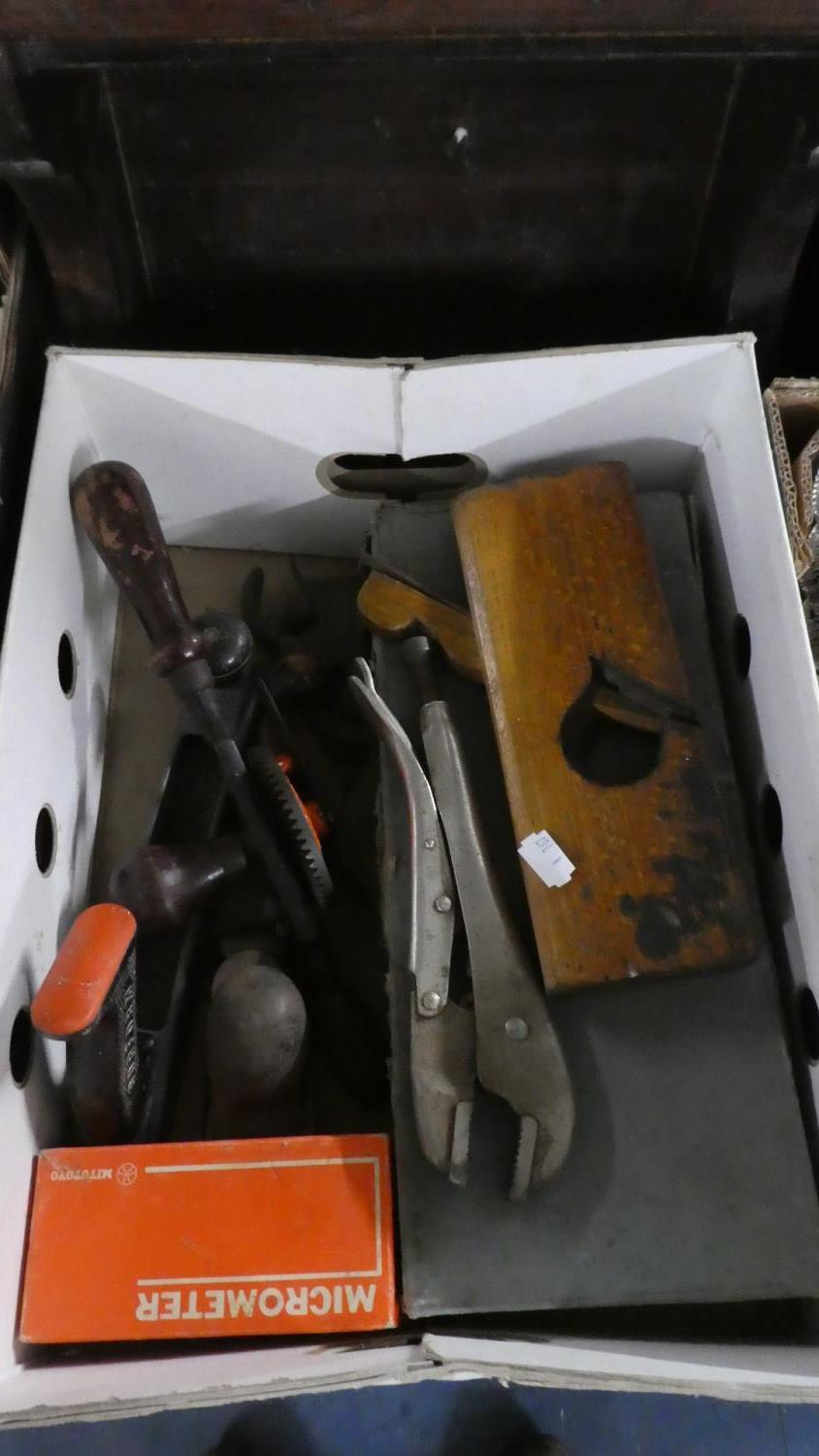 Lot 392 - A Box Containing Various Vintage Tools Including Record No. 5 Plane in Original Box