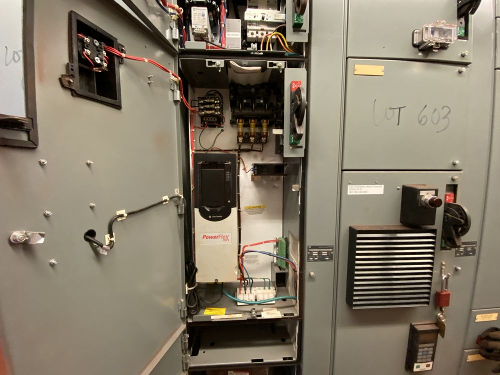 Allen Bradley 9 Section MCC (includes panels 600a to 600i) - Image 4 of 15
