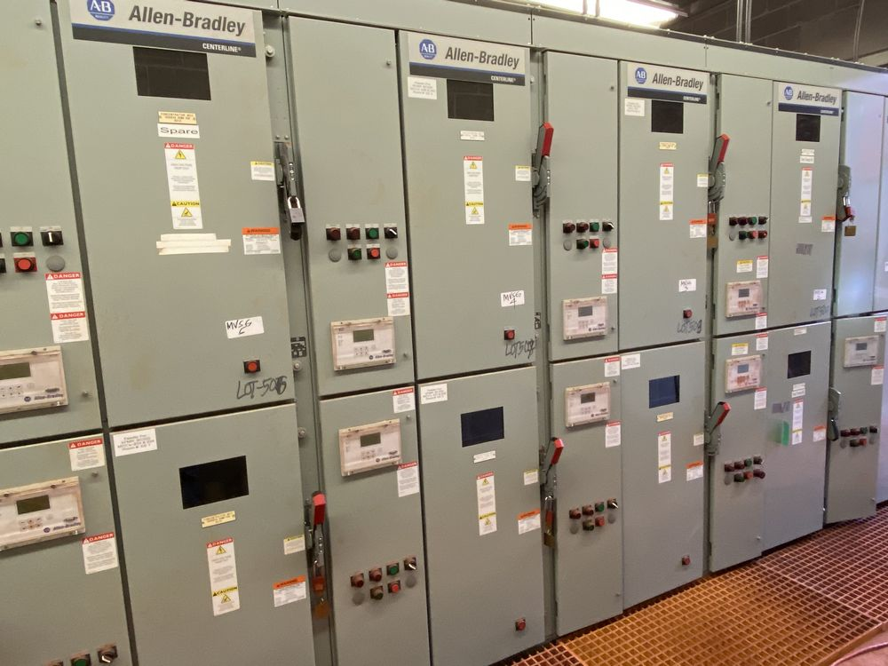 GE Medium voltage switchgear system (includes panels 500a to 500j) - Image 10 of 13