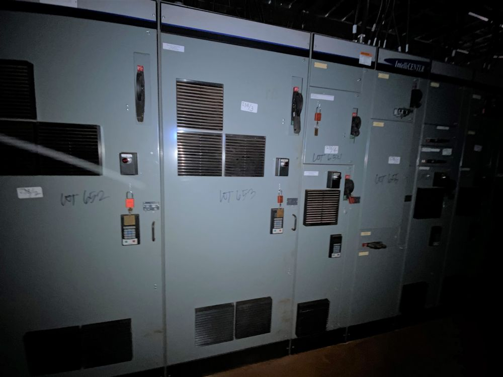 Allen Bradley 10 section MCC (includes panels 650a to 650j) - Image 3 of 10