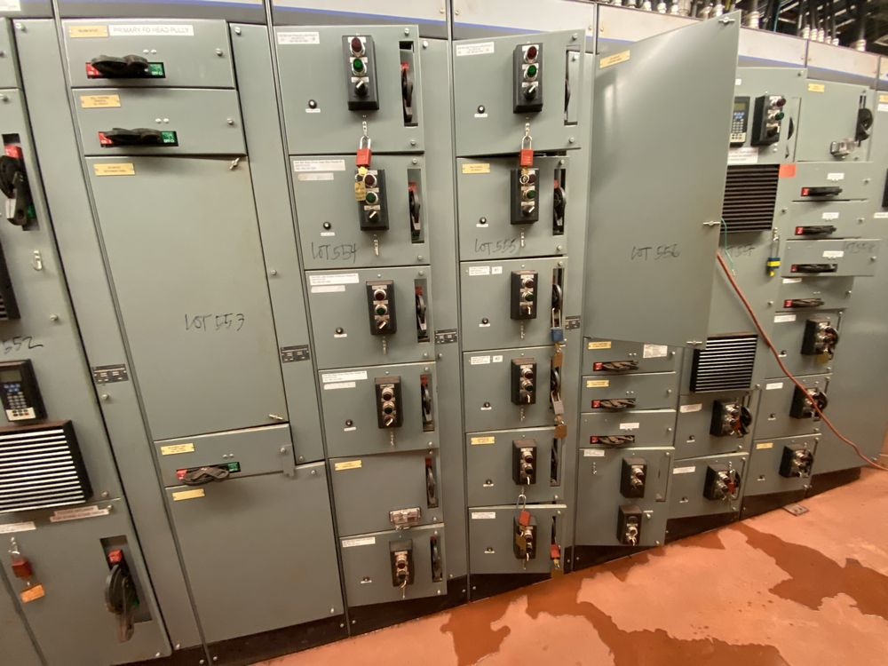 Allen Bradley 12 Section MCC (includes panels 547a to 547k, and 559) - Image 7 of 16