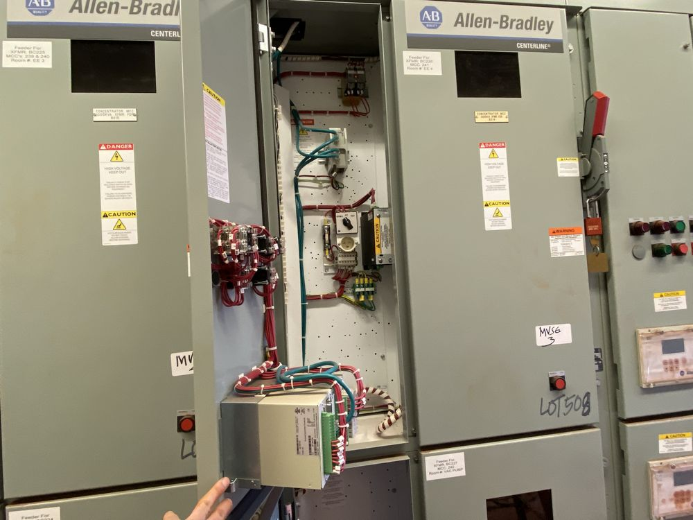 GE Medium voltage switchgear system (includes panels 500a to 500j) - Image 11 of 13