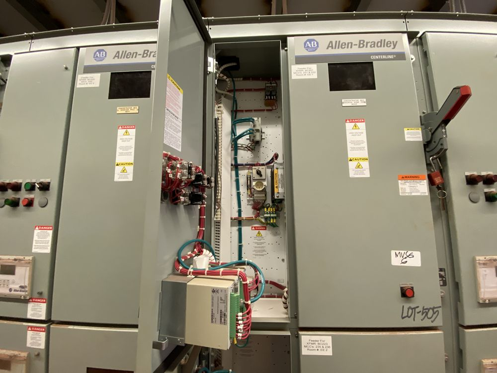 GE Medium voltage switchgear system (includes panels 500a to 500j) - Image 6 of 13