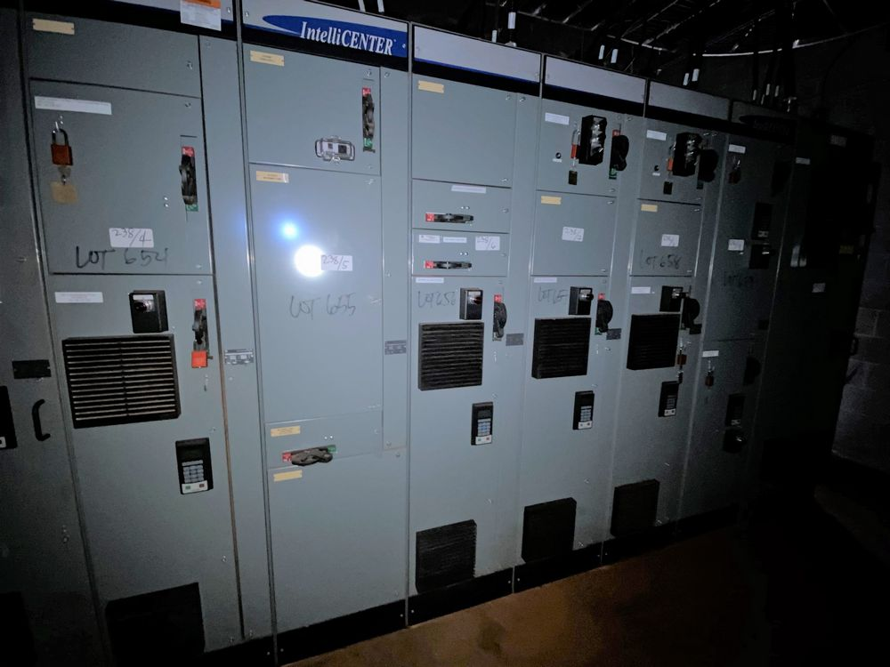 Allen Bradley 10 section MCC (includes panels 650a to 650j) - Image 7 of 10