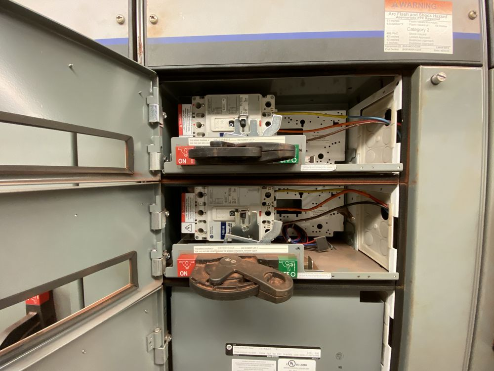 Allen Bradley 4 Section MCC (includes panels 521a to 521d) - Image 6 of 8
