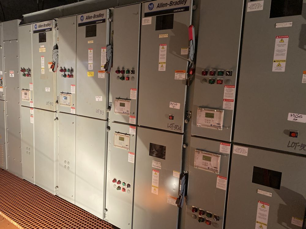 GE Medium voltage switchgear system (includes panels 500a to 500j) - Image 4 of 13