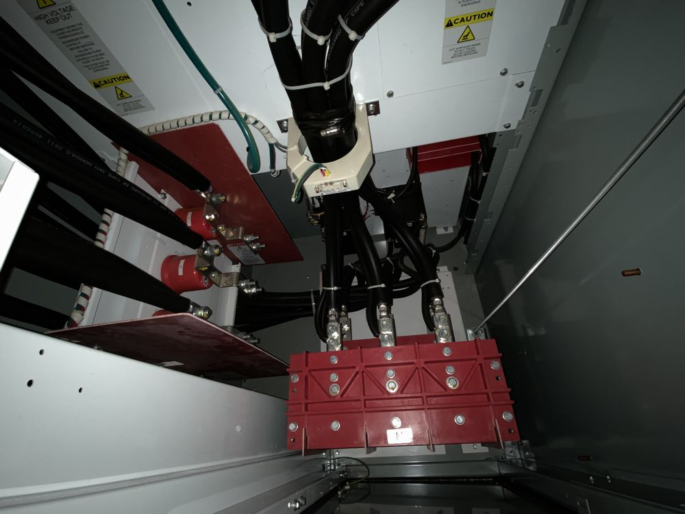 GE Medium voltage switchgear system (includes panels 500a to 500j) - Image 3 of 13
