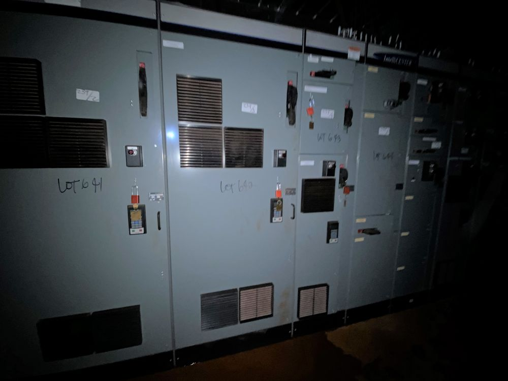 Allen Bradley 10 Section MCC (includes panels 639a to 639j) - Image 3 of 10