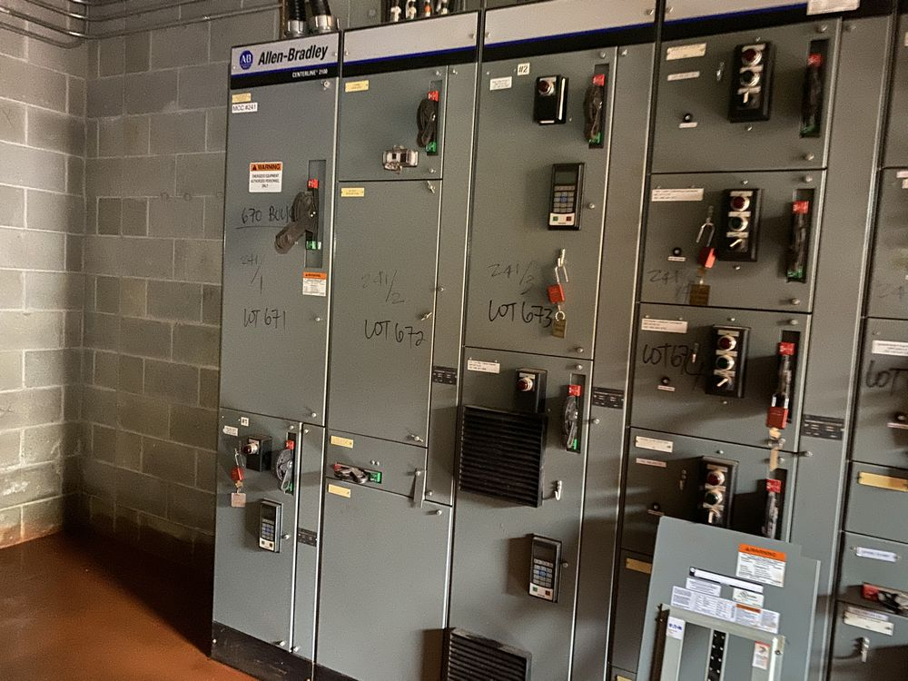 Allen Bradley 9 section MCC (includes panels 670a to 670i) - Image 3 of 9