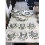 A Spode service thirty two pieces