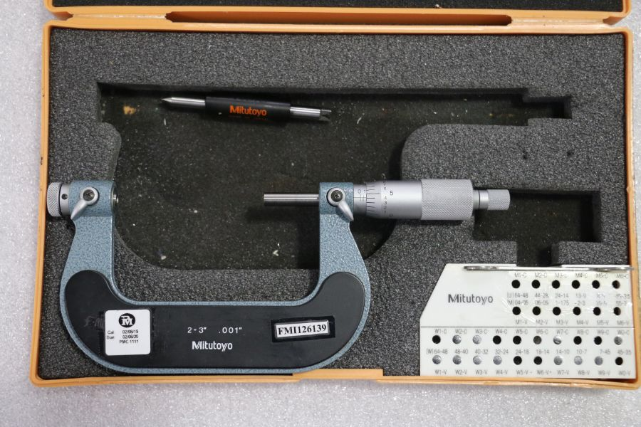 """Mitutoyo 2"""" - 3"""" Pitch Micrometer - Image 2 of 3"""