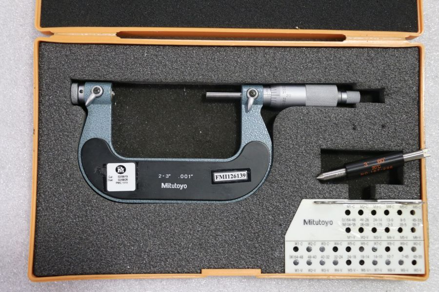 """Mitutoyo 2"""" - 3"""" Pitch Micrometer"""