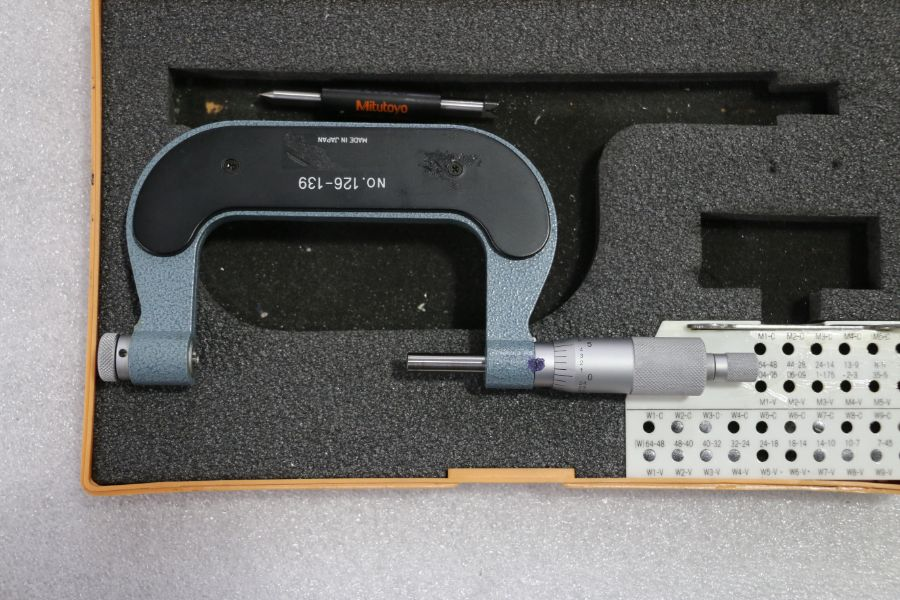 """Mitutoyo 2"""" - 3"""" Pitch Micrometer - Image 3 of 3"""
