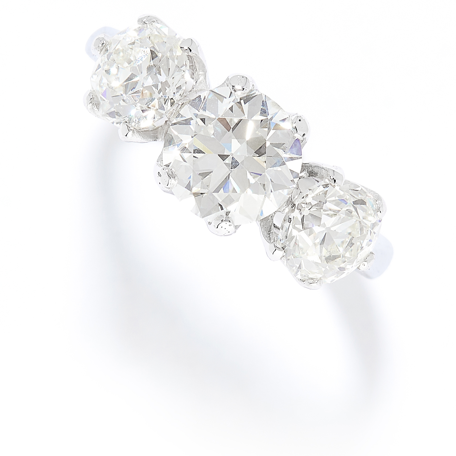 Los 54 - 3.25 CARAT DIAMOND THREE STONE RING in platinum or white gold, set with a trio of old round cut