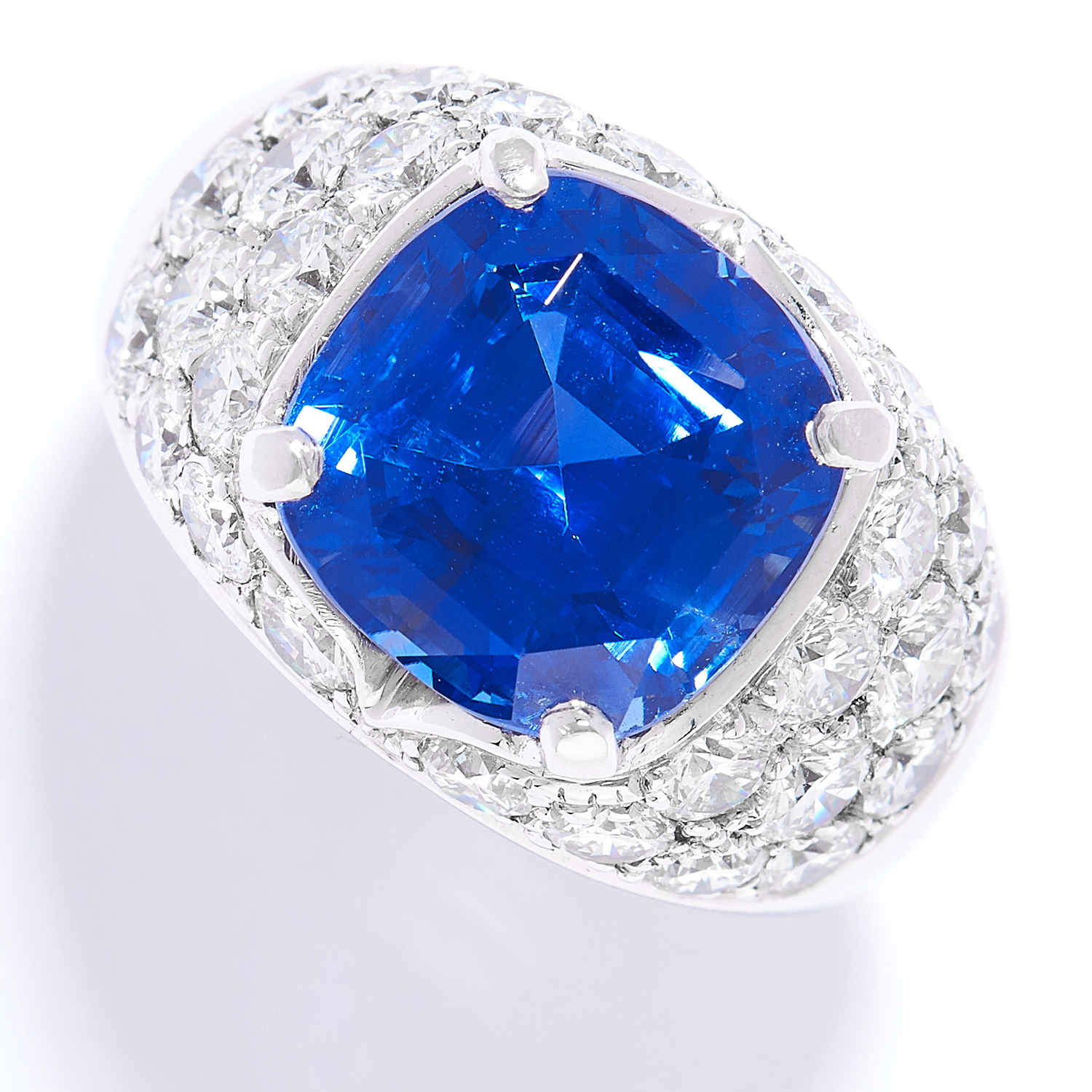 9.46 CARAT SAPPHIRE AND DIAMOND RING in 18ct white gold or platinum, comprising of a cushion cut