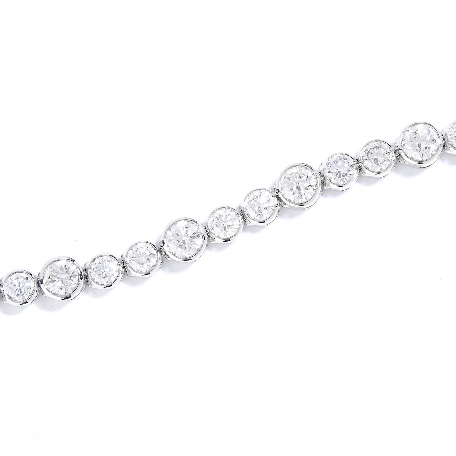 10.0 CARAT DIAMOND BRACELET, CARTIER in platinum, comprising of thirty round cut diamonds of various - Bild 2 aus 2