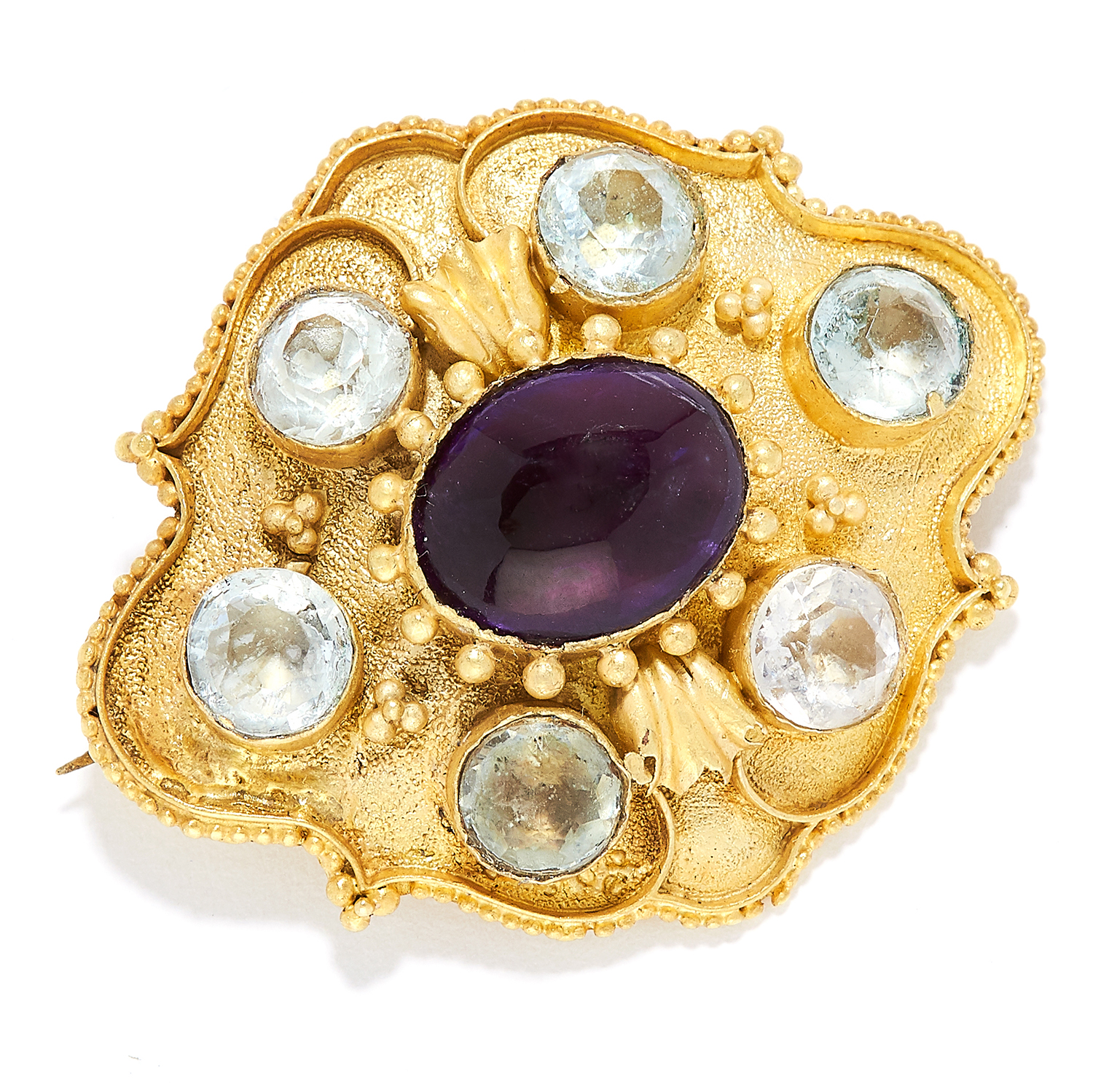 AMETHYST AND AQUAMARINE BROOCH in high carat yellow gold, set with a cabochon amethyst in a border