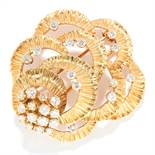 VINTAGE DIAMOND EARRING AND BROOCH SUITE, KUTCHINSKY 1961 in 18ct yellow gold, the textured