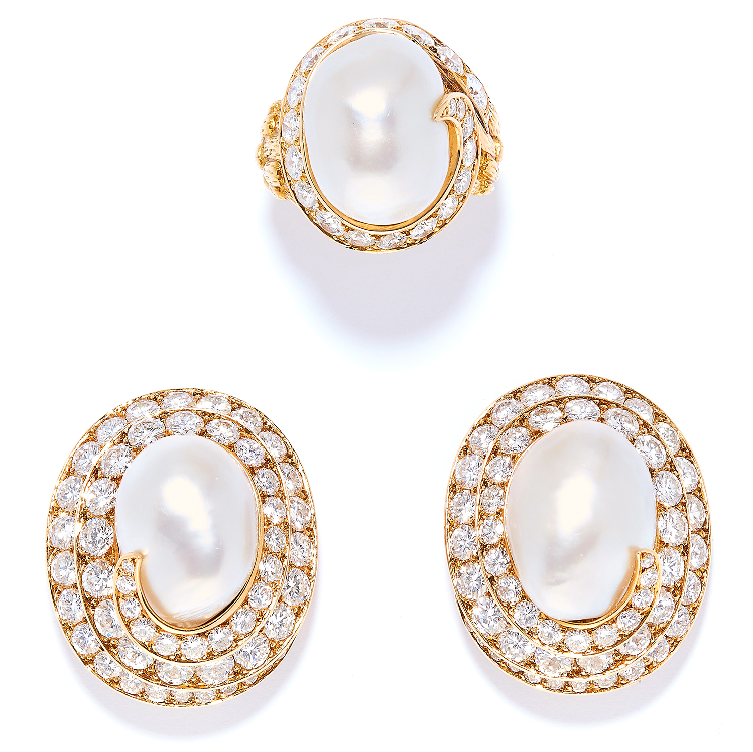 Los 56 - VINTAGE NATURAL PEARL AND DIAMOND RING AND EARRINGS SUITE, VAN CLEEF & ARPELS in 18ct yellow gold,
