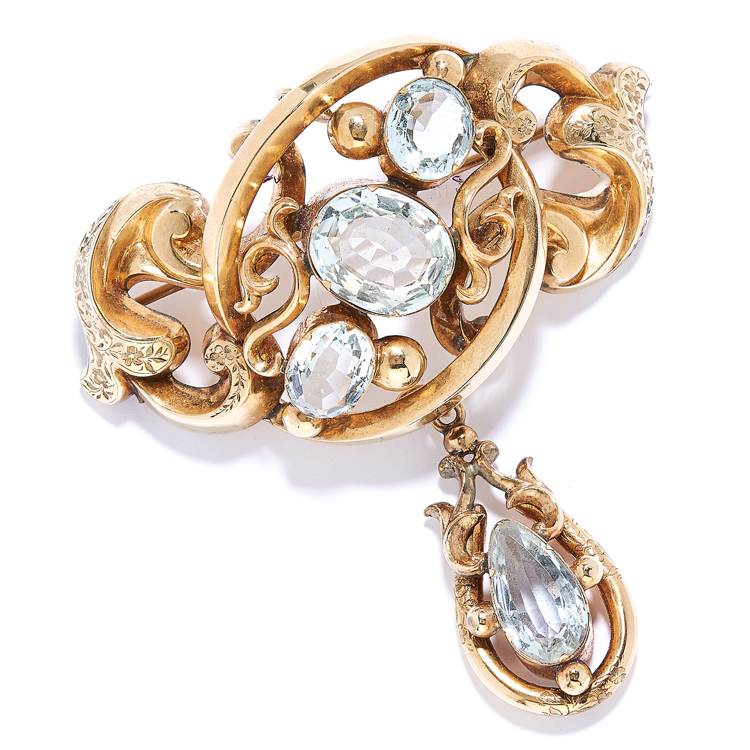 Los 18 - ANTIQUE AQUAMARINE BROOCH / PENDANT, 19TH CENTURY in high carat yellow gold, set with three oval cut