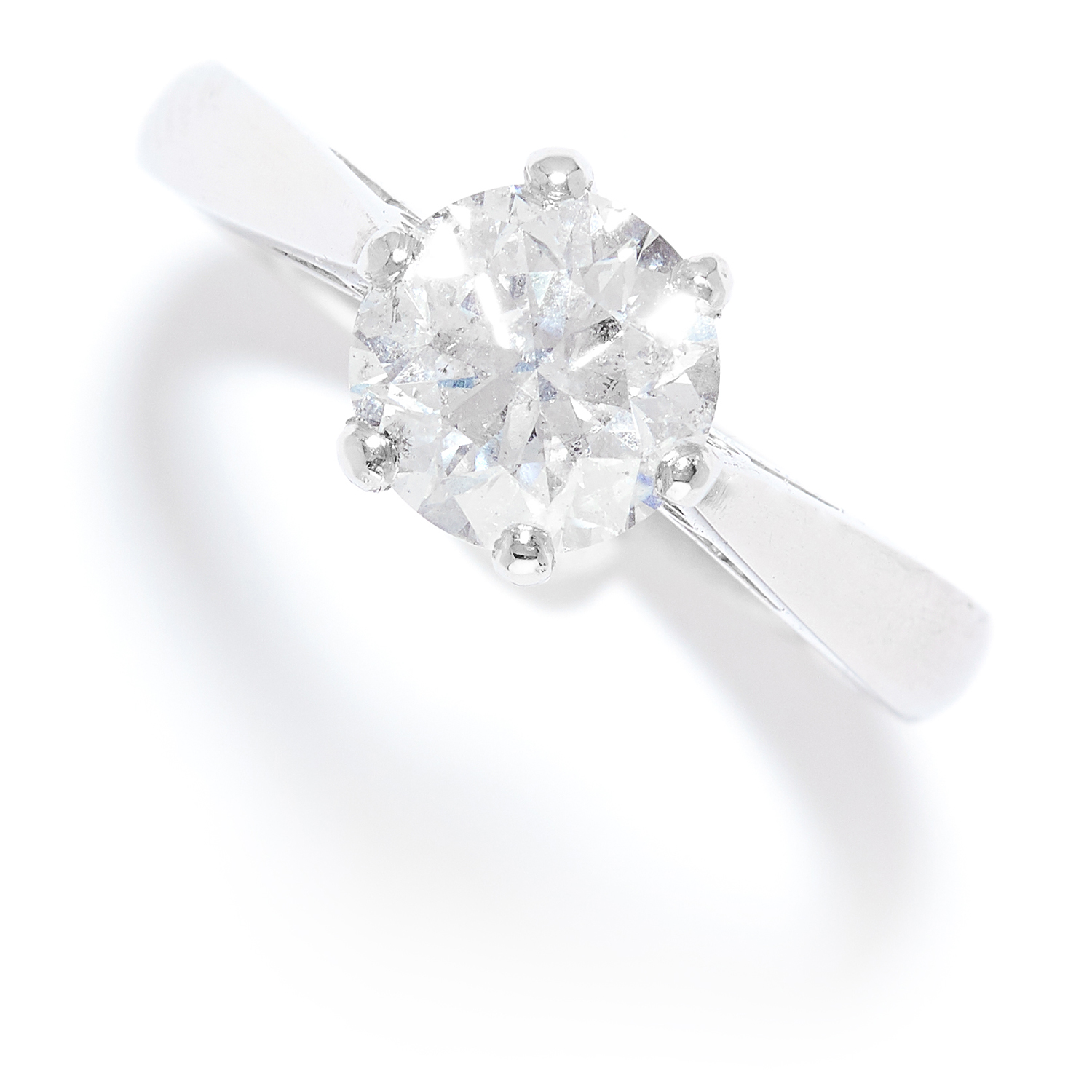 Los 32 - 1.53 CARAT SOLITAIRE DIAMOND RING in platinum, set with a round brilliant cut diamond of 1.53
