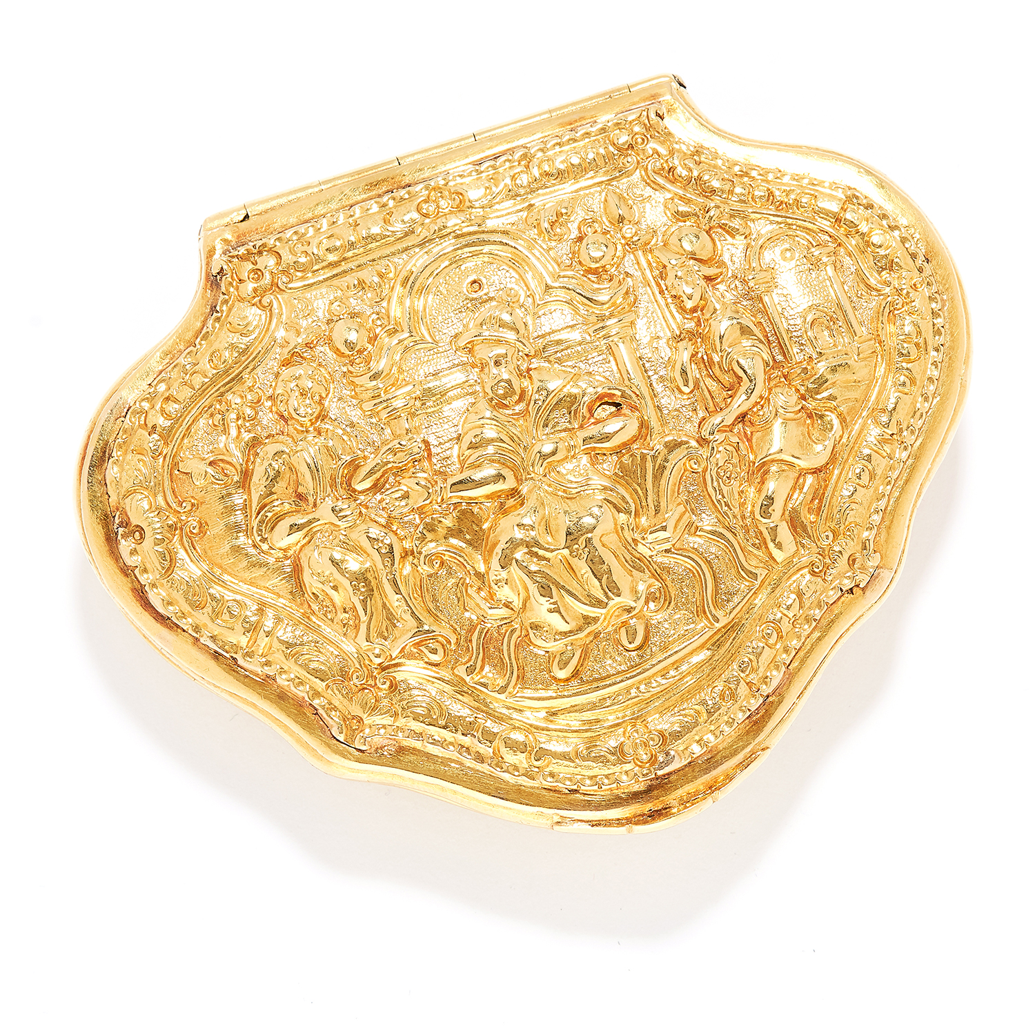 ANTIQUE GOLD REGIMENTAL SNUFF BOX, CIRCA 1750 in 18ct yellow gold, the lid is set with a scene of