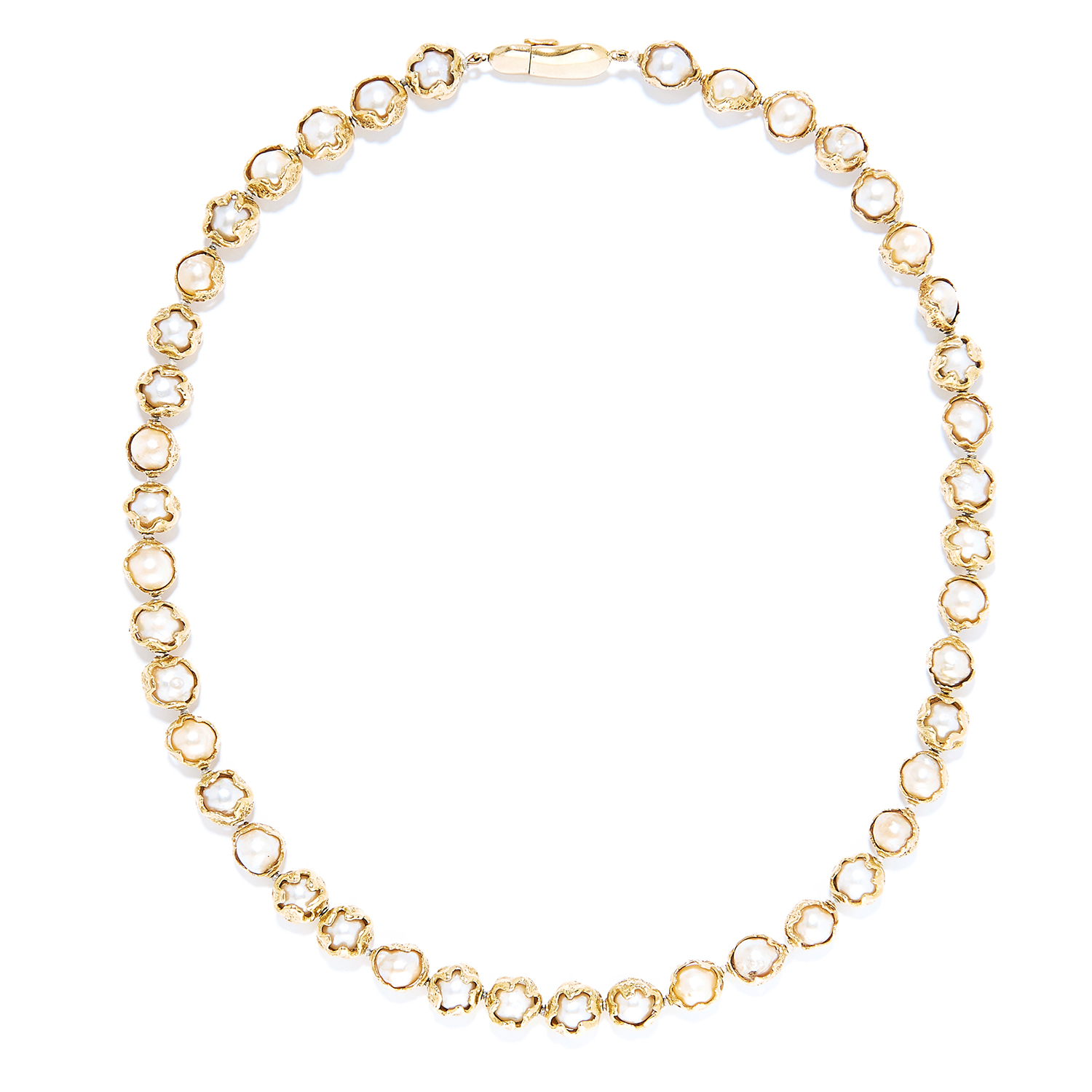 PEARL BEAD NECKLACE, CHARLES DE TEMPLE, 1957 in 18ct yellow gold, comprising of a single row of