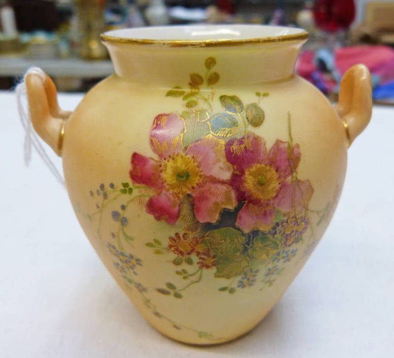 Lot 3003 - ROYAL WORCESTER BLUSH IVORY CAULDRON VASE WITH 2 HANDLES WITH FLORAL DECORATION 8CM TALL