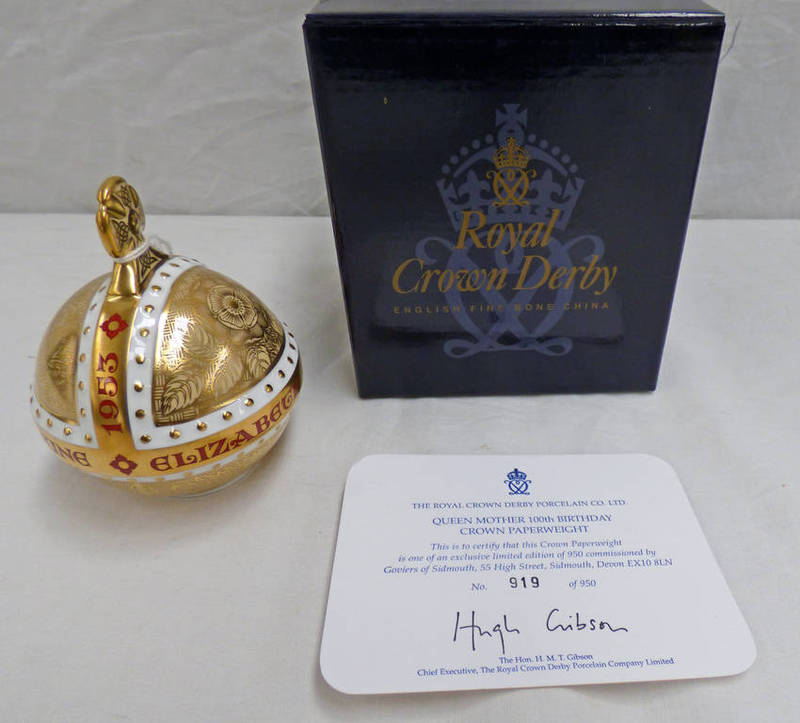 Lot 3057 - ROYAL CROWN DERBY LIMITED EDITION QUEEN MOTHER 100TH BIRTHDAY CROWN PAPERWEIGHT WITH GOLD STOPPER.