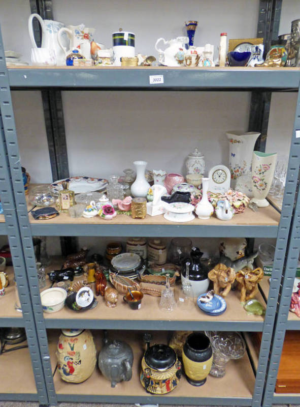 Lot 3022 - LARGE SELECTION OF PORCELAIN & GLASSWARE INCLUDING VASES, BOWLS,