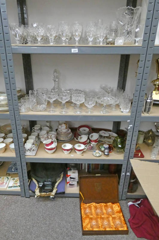Lot 3055 - LARGE SELECTION OF VARIOUS GLASSWARE,