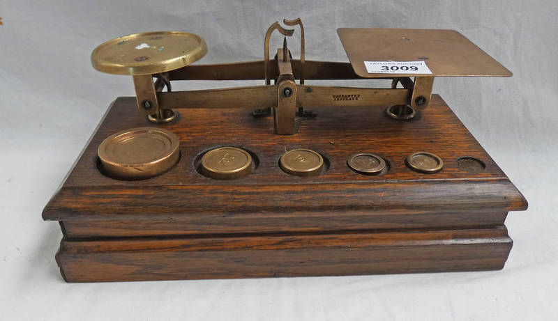 Lot 3009 - SET OF EARLY 20TH CENTURY OAK AND BRASS SCALES AND WEIGHTS