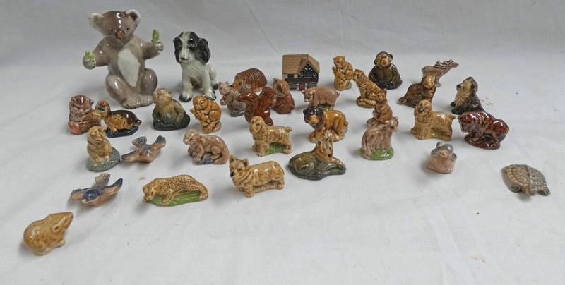 Lot 3035 - BESWICK KOALA BEAR 1089 GOEBEL DOG & SELECTION OF VARIOUS WADE WHIMSIES