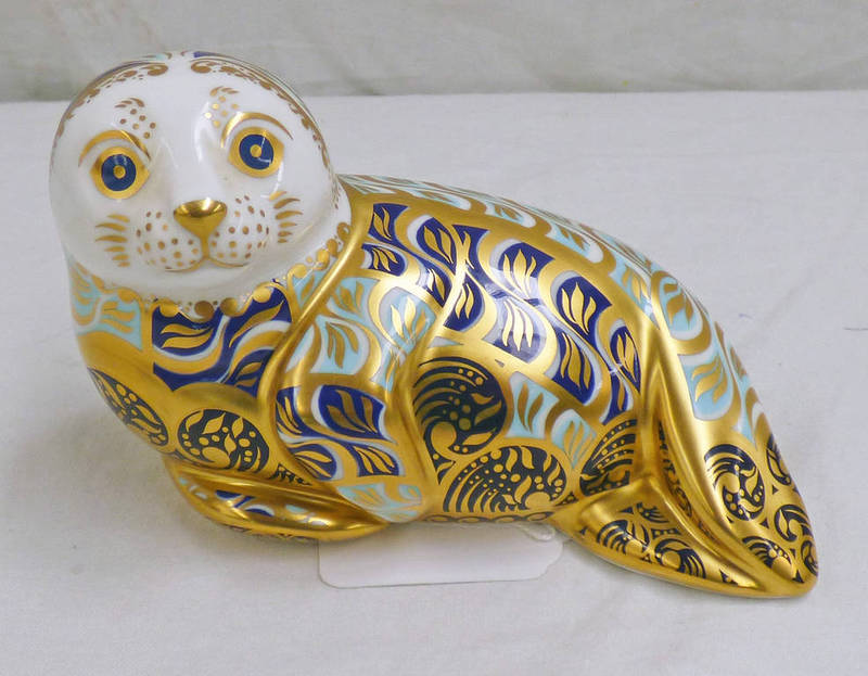 Lot 3054 - ROYAL CROWN DERBY LIMITED EDITION HARBOUR SEAL PAPERWEIGHT WITH GOLD STOPPER