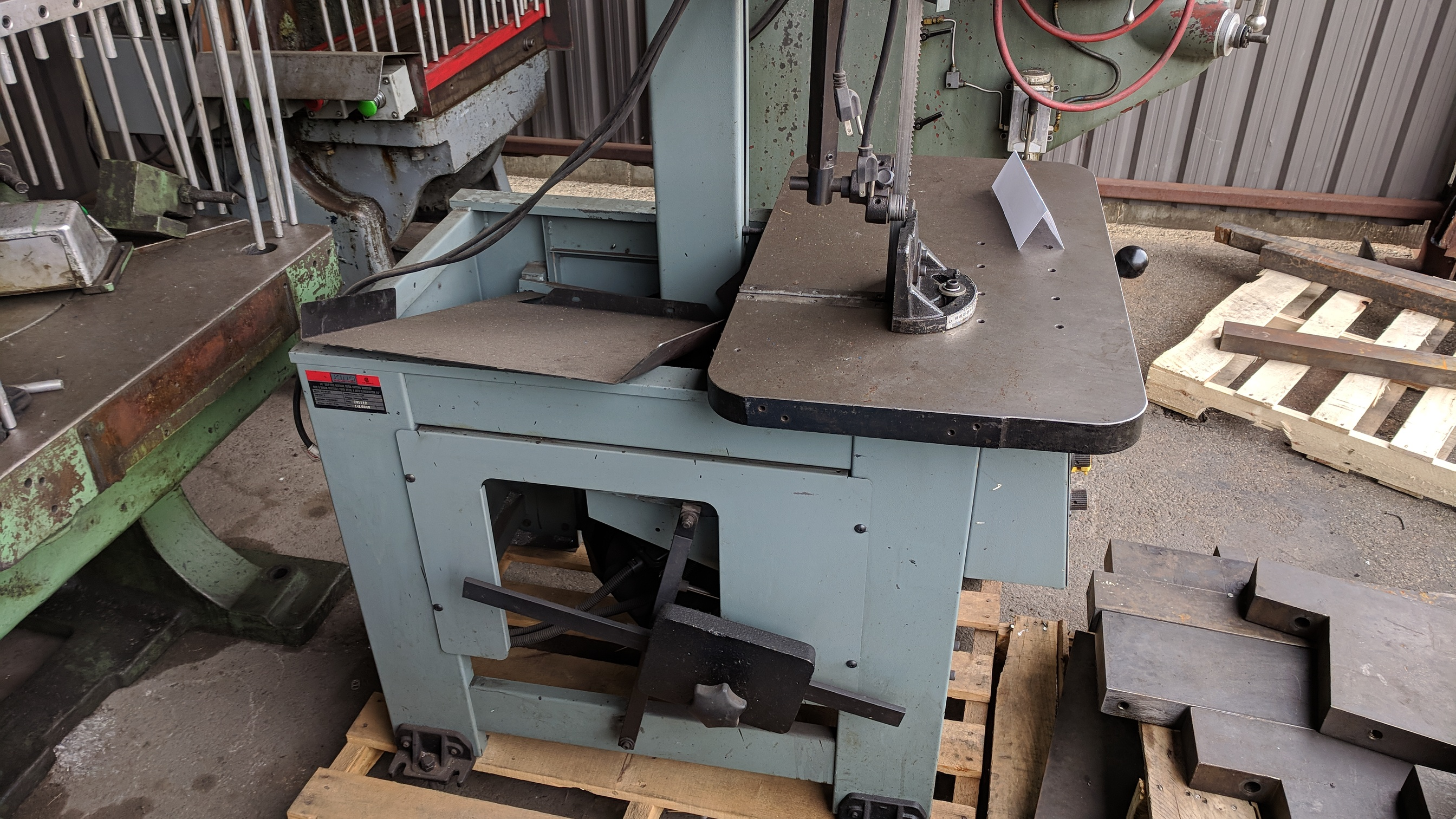 "KING (2012) KC-914H 14"" ROLL-IN VERTICAL BAND SAW, S/N 14L0040 (CI)- - Image 3 of 4"