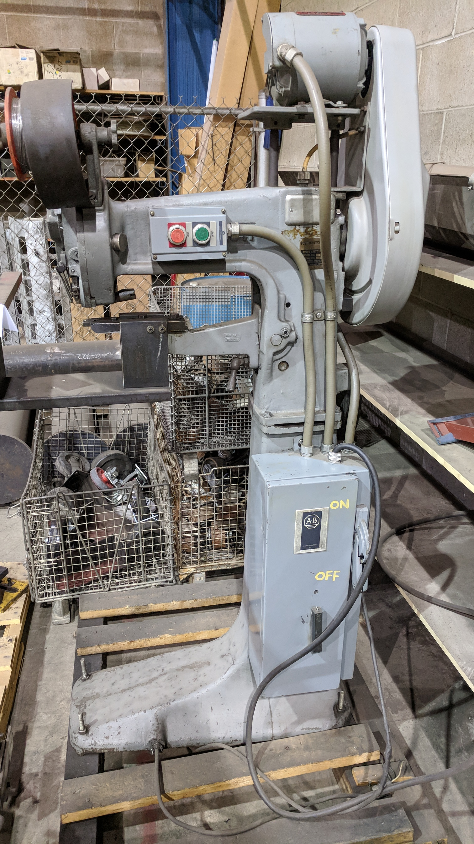 BOSTITCH TEXTRON S13-AW FLOOR TYPE HEAVY DUTY WIRE SADDLE STITCHER, S/N 8315 (CI) - Image 2 of 3