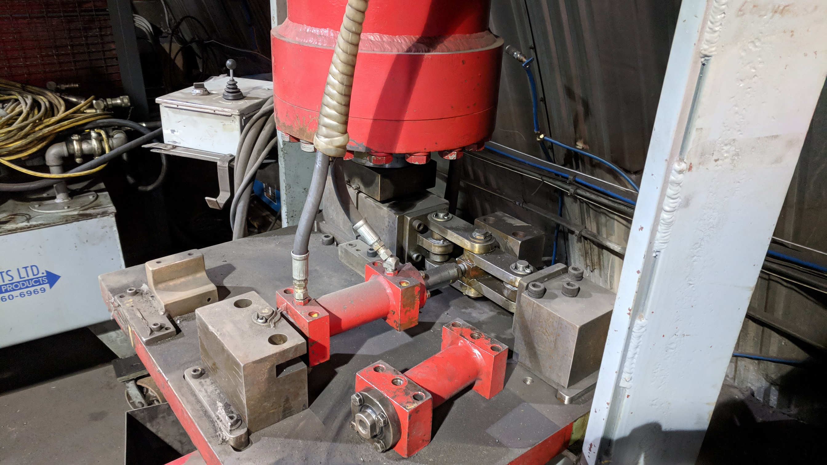 CROWN HEAVY DUTY HYDRAULIC SHOP PRESS WITH MULTI POWER PRODUCTS POWER PACK, S/N N/A (CI) - Image 5 of 5