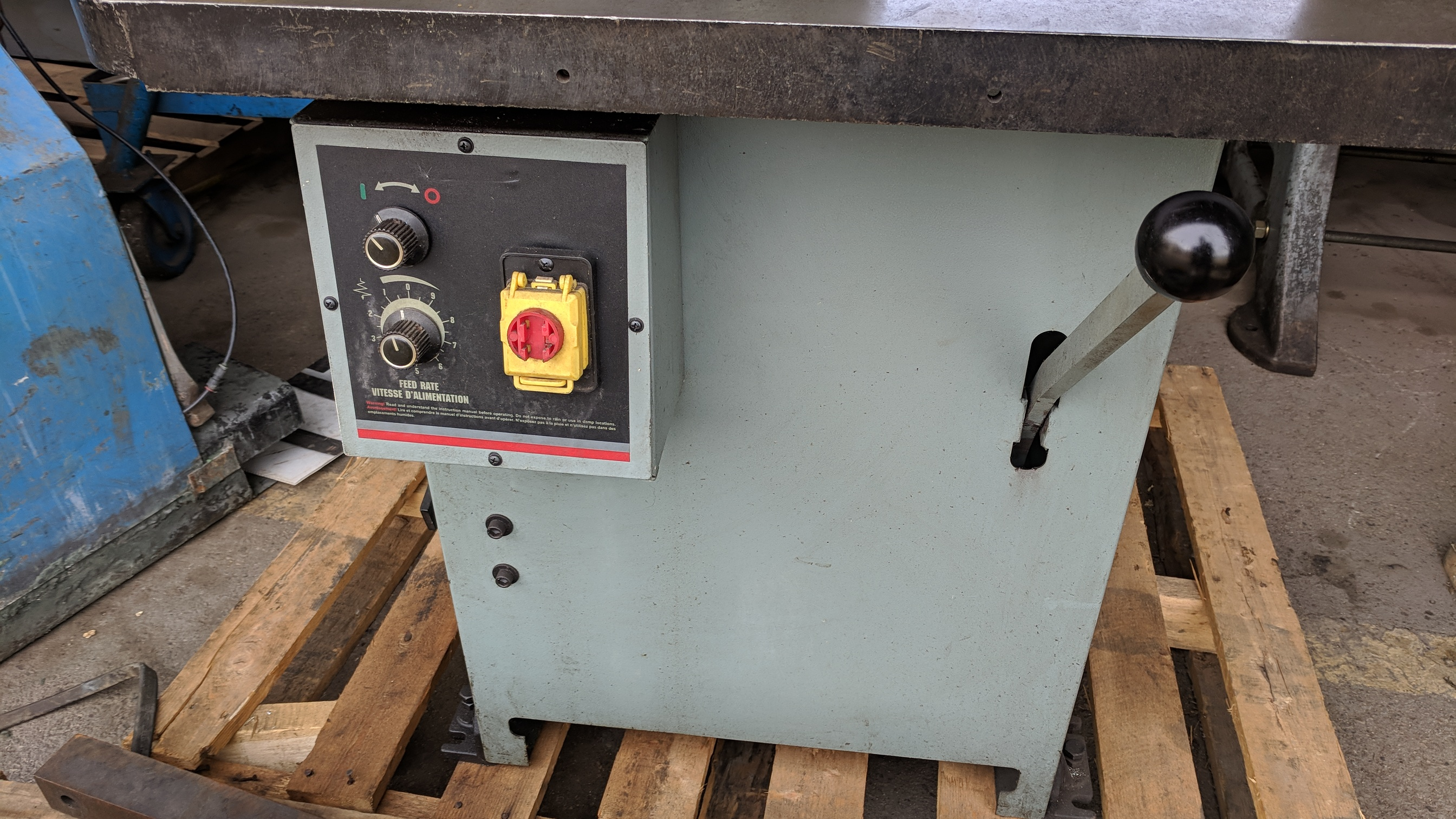 "KING (2012) KC-914H 14"" ROLL-IN VERTICAL BAND SAW, S/N 14L0040 (CI)- - Image 2 of 4"