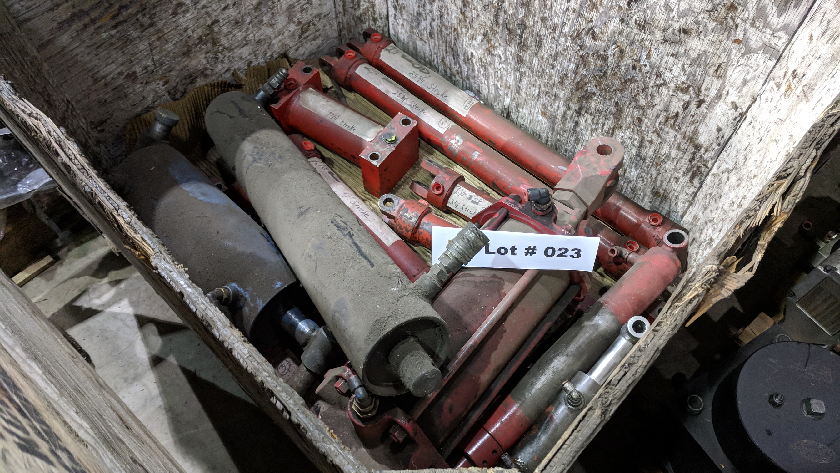 LOT/ HYDRAULIC CYLINDERS, HOSES AND FITTINGS - Image 2 of 3