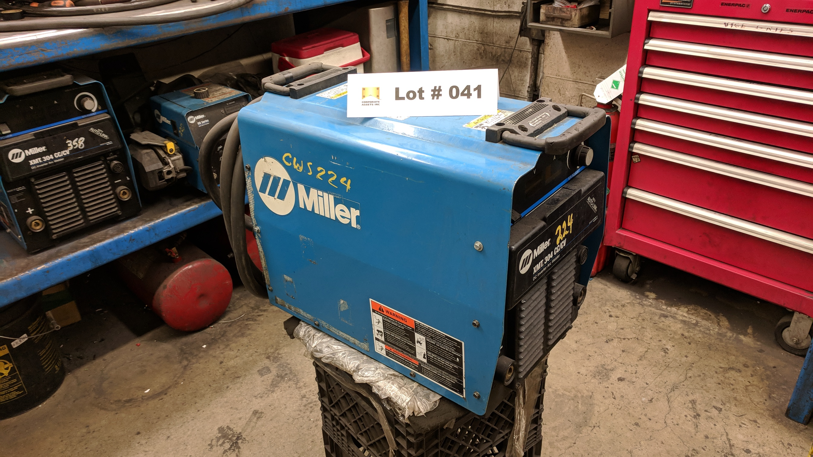 MILLER XMT 304 CC/CV DC INVERTER ARC WELDER WITH CABLES AND GUN, S/N N/A