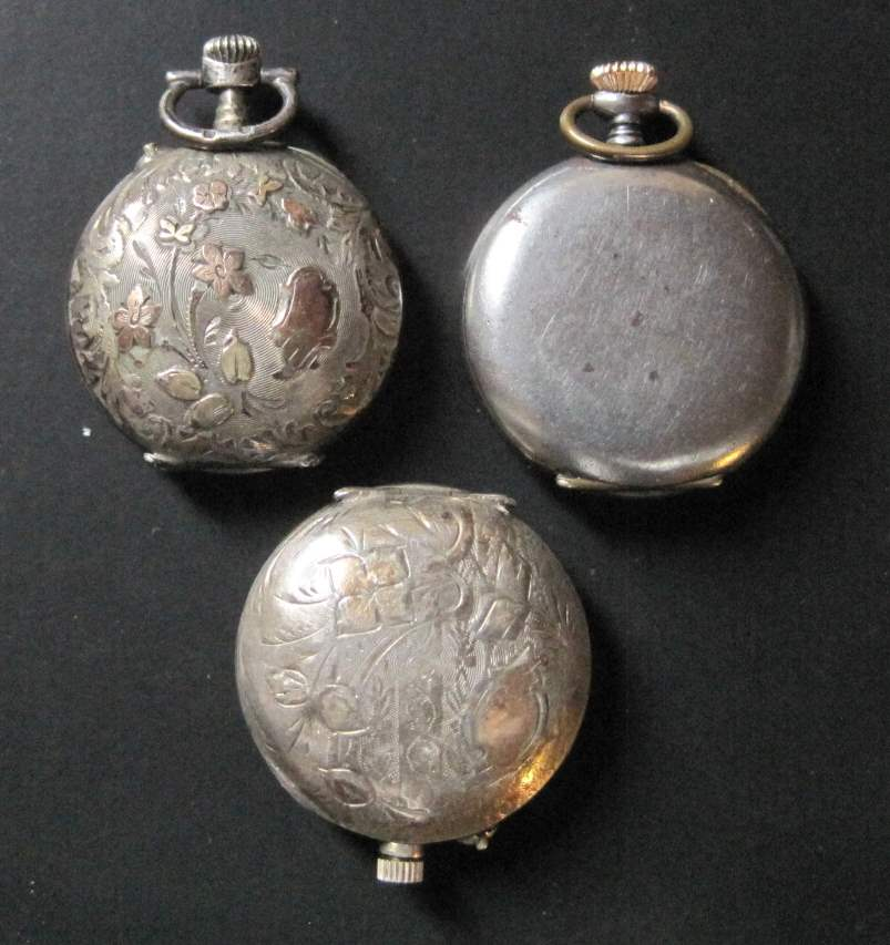 Lot 8 - Set of 3 neck watches: solid silver watch with gold applications, back engraved, [...]